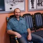 """Скульптор Александр Рябичев на выставке """"Династия"""" 15 мая 2010 года"""