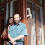 """Александр Рябичев с женой Александрой Загряжской, 15 мая 2010 года, на выставке """"Династия"""" в галерее """"Даев, 33"""""""